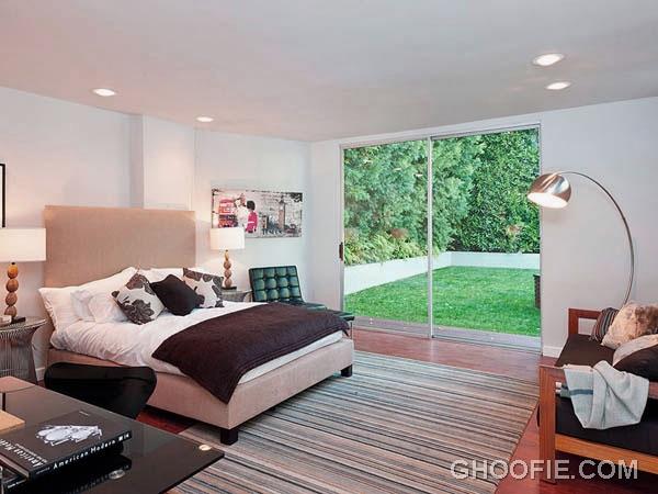 Elegant Bedroom Design with Desk and Glass Door