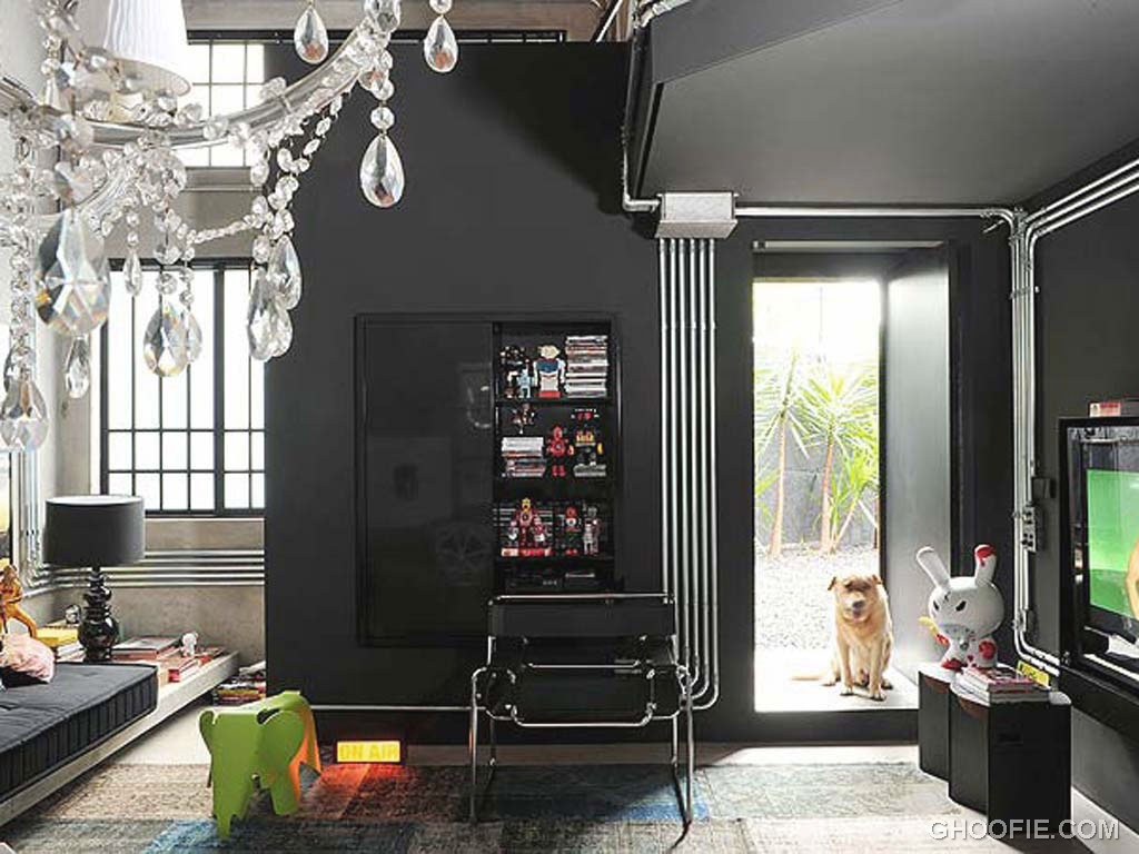 Eye catching black interior living room ideas interior for Black living room decor ideas
