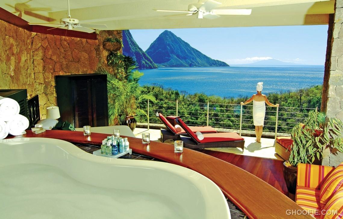 Luxury Balcony With Jade Montain View Interior Design Ideas