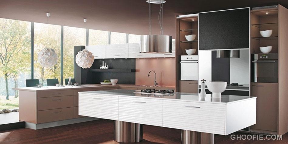 Amazing Brown Kitchen with White Kitchen Island