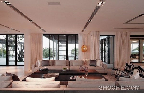 Luxurious Phuket Home with Contemporary Living Room Design Ideas