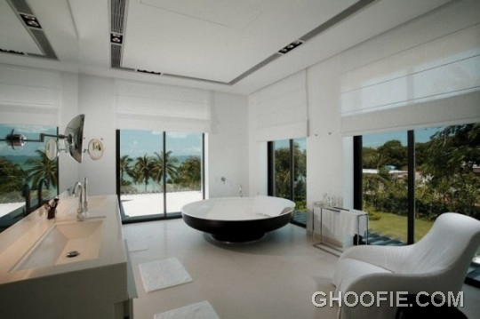 Ultra Modern Bathroom Design Ideas with Luxurious Furniture