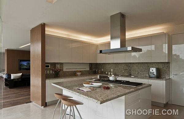 Luxury Kitchen Design Ideas with Marble Backsplash