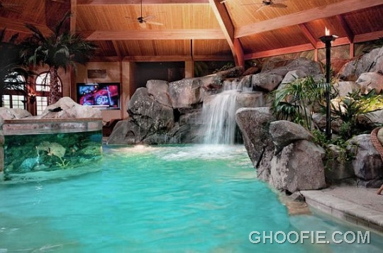 Awesome Indoor Home Spa Design Ideas with Waterfall