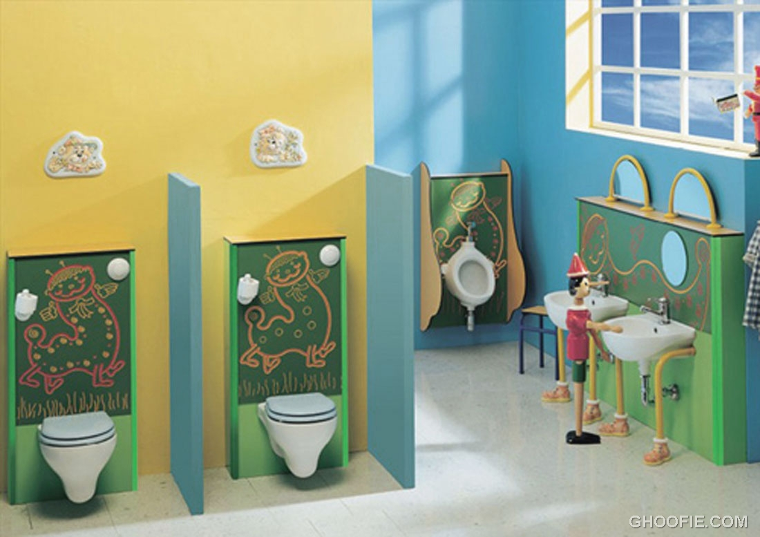 Calm colors retro cute kids bathroom design interior for Fun kid bathroom ideas