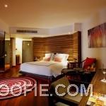 Amazing Bedroom Interior Decor Laminate Floor Indigo Pearl Hotel