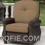 Breckenridge Recliner Sand- by La-Z-Boy Outdoor