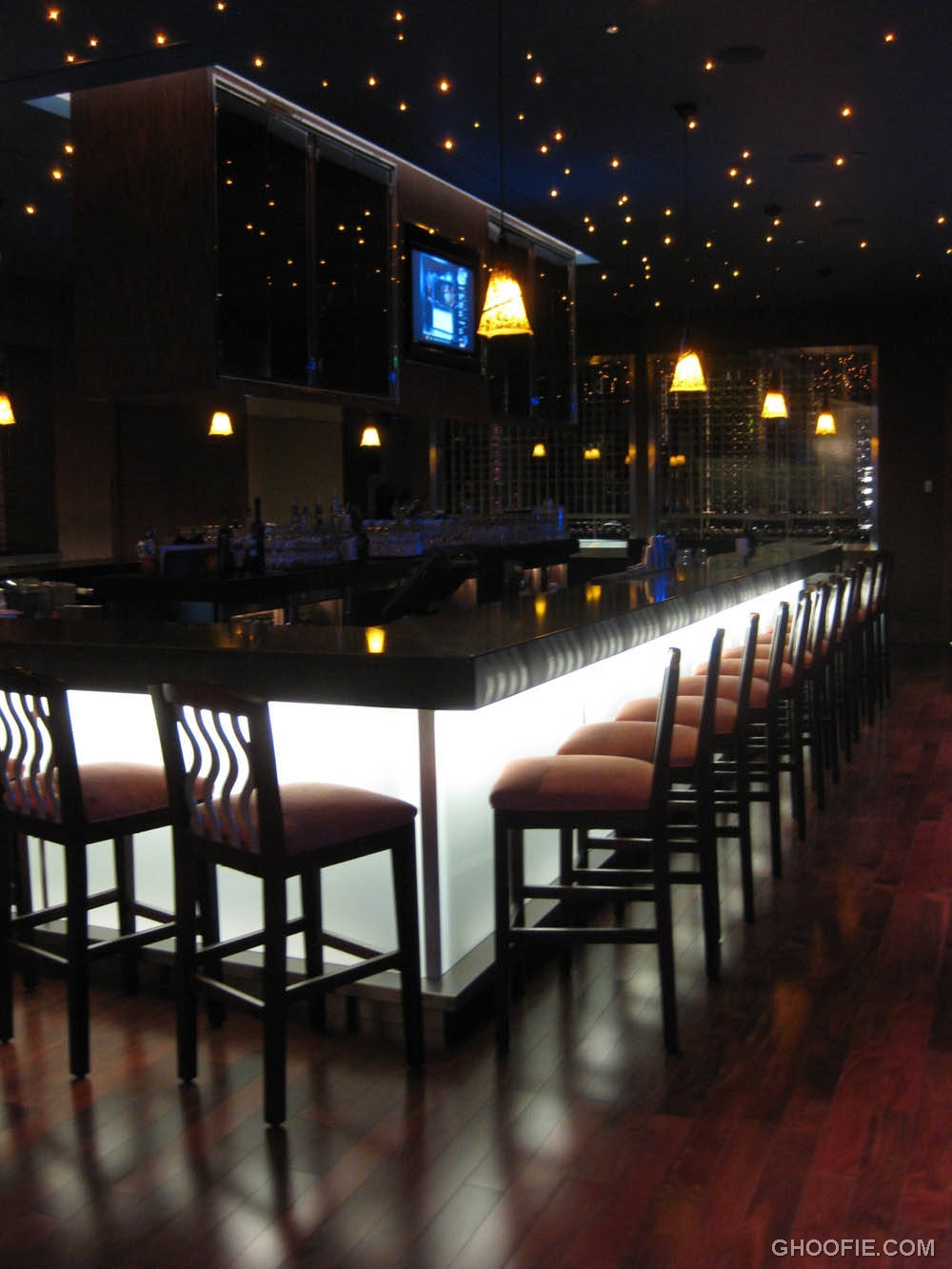 Romantic contemporary home bar cool led lights padded barstools interior design ideas - Cool home bars ...