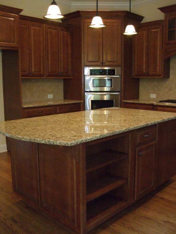 Extravagant wooden cabinets small kitchen island ideas for Granite countertop design ideas