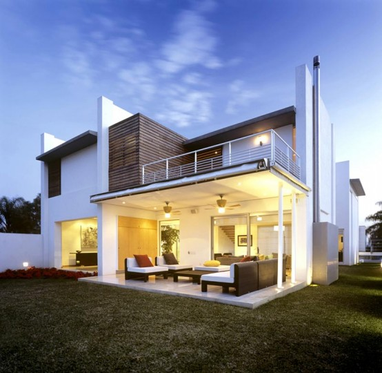 Fabulous White Exterior House Design Small Indoor Patio