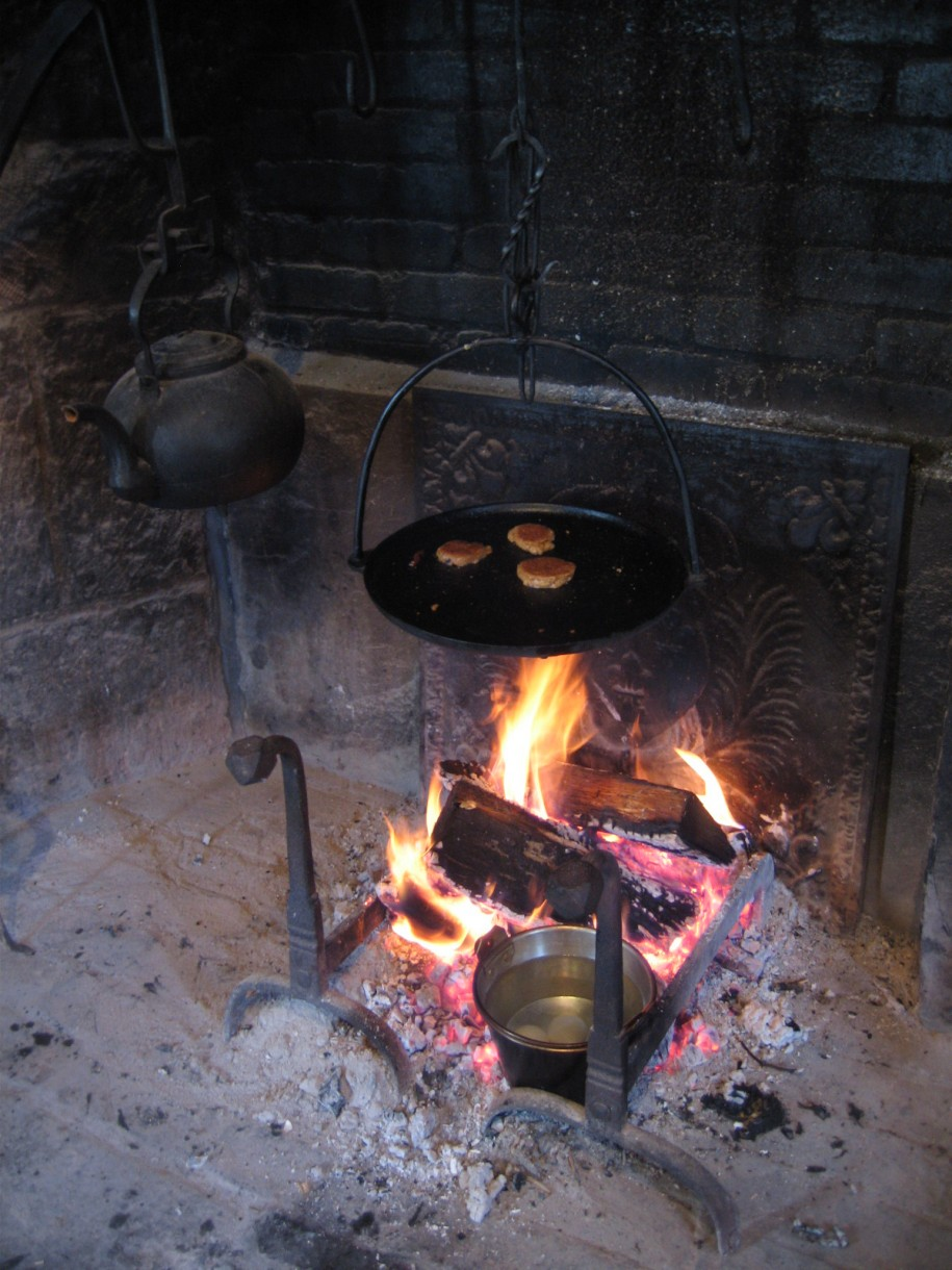 Old Dark Kettle Cooking Fireplace Crane Hot Flame Rustic Fireplace Design Interior Design Ideas