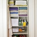 Simple White Towal Storage Box Shelves Green Baskets