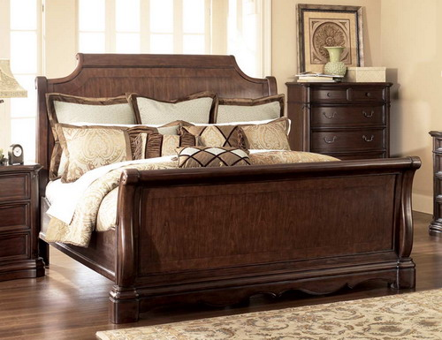 Master bedroom luxury sleigh bed with wooden night tables for Bedroom designs with sleigh beds
