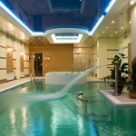Indoor pool with fountain