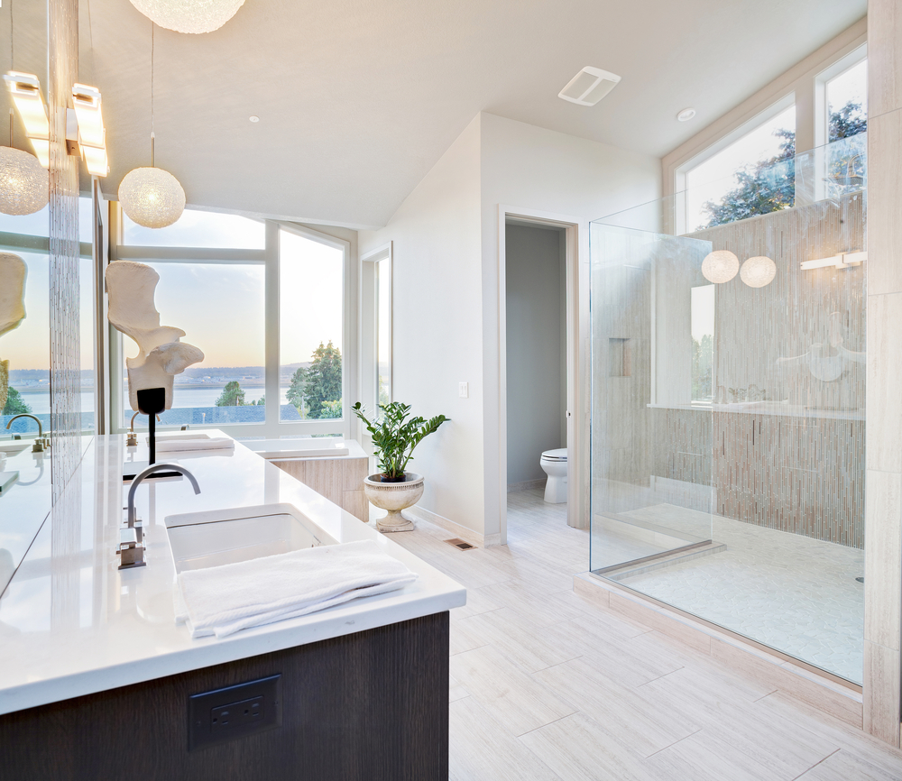 Luxurious bathroom with ocean view