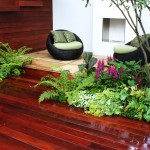 Modern garden with wood flooring