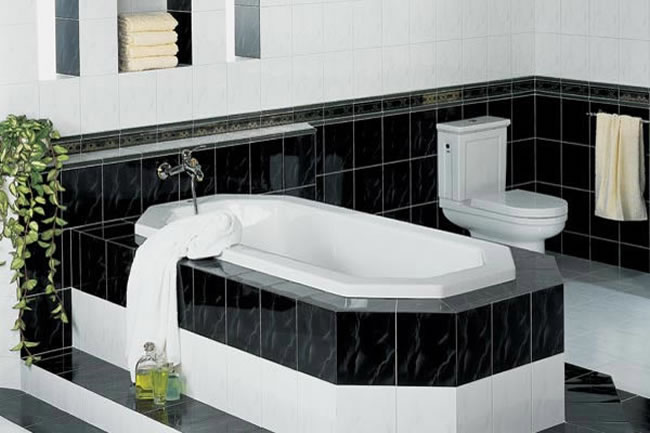 Vintage black and white bathroom